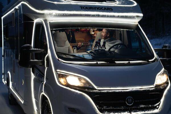 Suomen ja automatkailun markkinointia Touring Carsin kyydissä